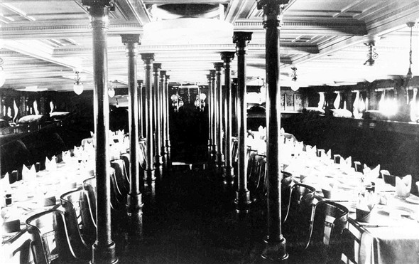 Photo:SS Dieppe 1st Class Dining Saloon