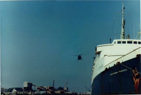 Photo:WEST QUAY - MARINE AGGREGATES, HELICOPTER, CALEDONIAN PRINCESS 198?