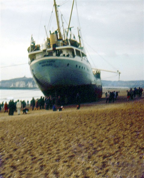 Photo:MV Walter Richter - With quite a crowd surrounding her