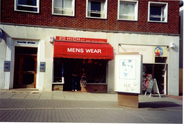Photo:TRAFFIC OFFICE/MENS WEAR/NEWHAVEN TOY SHOP