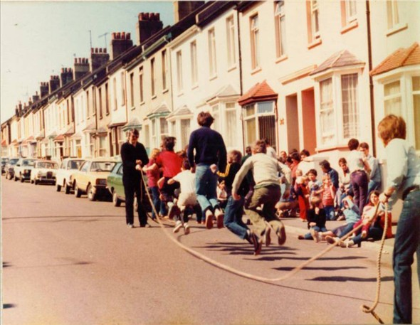 Photo:GOOD FRIDAY SKIPPING 1982