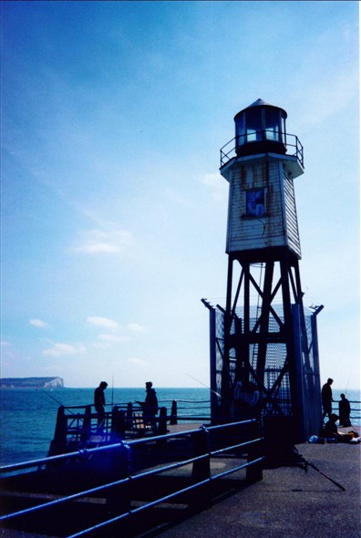 Photo:East pier lighthouse 1996 - now replaced with a modern beacon