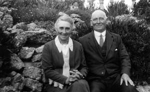 Photo:Oakley grandparents