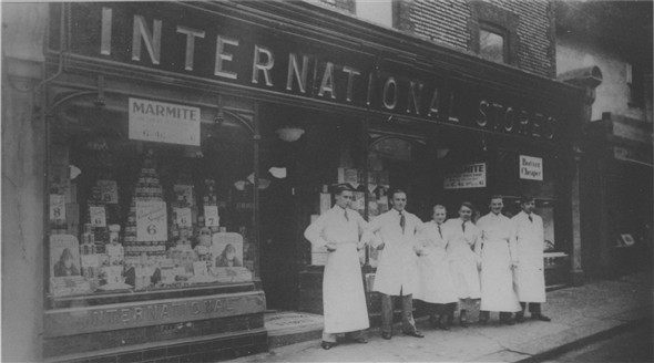Photo:International Stores - C1928