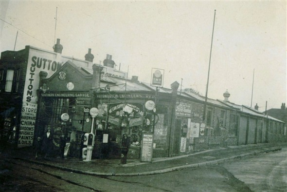 Photo:(7) - Amy's Garage 1910