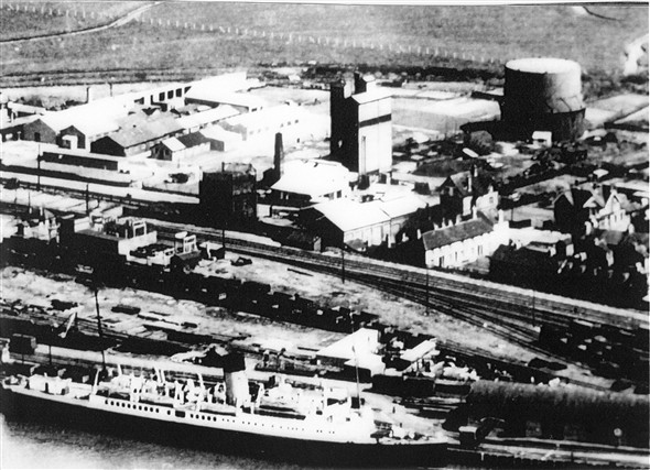 Photo:East Quay in the1930's