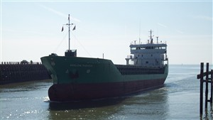 Photo:Arklow Ranger Enters the Harbour - April 2008