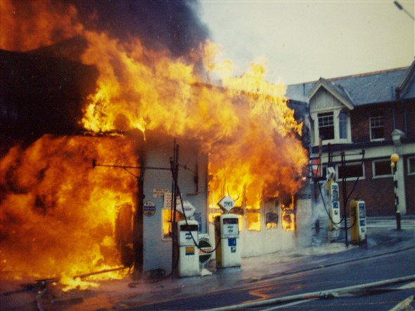 Photo:Arrow Tyres Fire - 1976