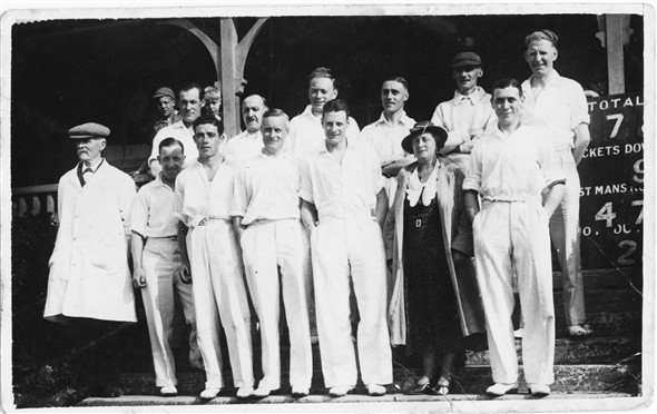Photo:Newhaven Cricket team - c1937