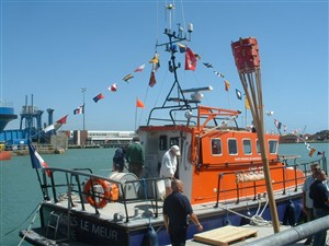 Photo:The visiting French lifeboat.