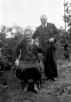 Photo:George Marshall & Lucy Redman in later years