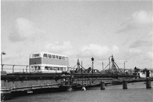 Photo:The old swing bridge
