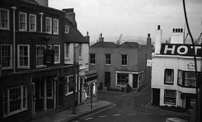 Photo:Looking down the High Street to where the one way system is now.