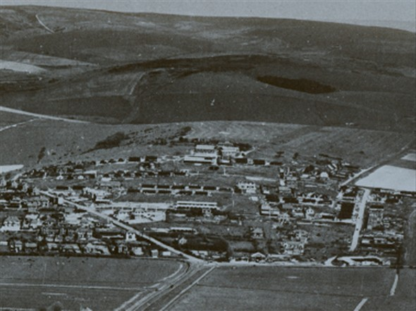 Photo:Army camp huts on Mount Pleasant in the 1940's