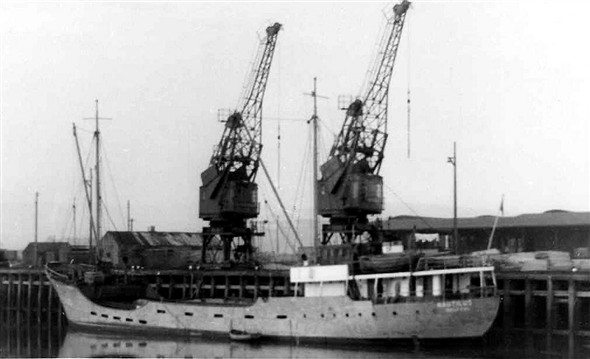 Photo:Nautilus owned by G de Boer built 1939.  She had a long life and several changes of owner before being broken up in 1987
