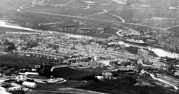 Photo:Newhaven 1920 from the air