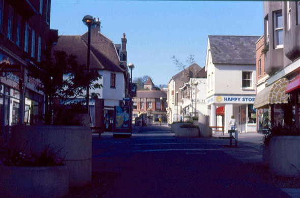Photo:Lower High Street - with Happy Stores before the Library moved to the building