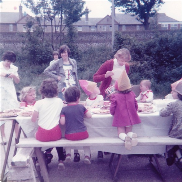 Photo:Rose Walk Silver Jubilee Party 1977