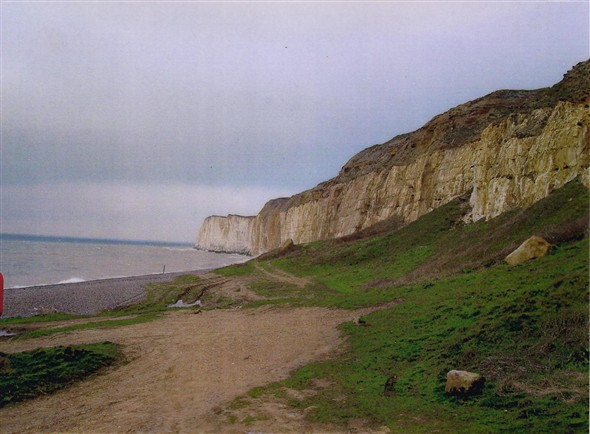 Photo:Cliffs near Newhaven