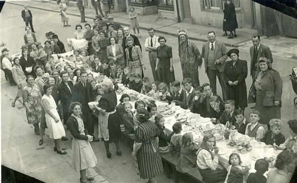 Photo:South Road street party 1945
