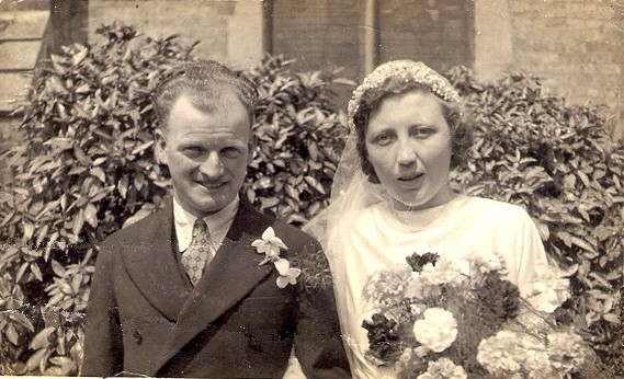 Photo:Ernest William Holder and Peggy King. Married 25 April 1942.