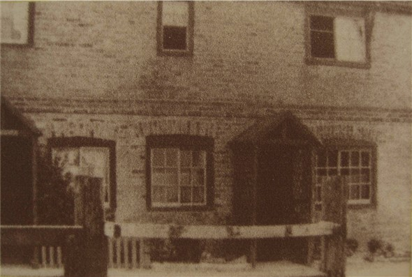 Photo:Tidemills workers cottage - c1930