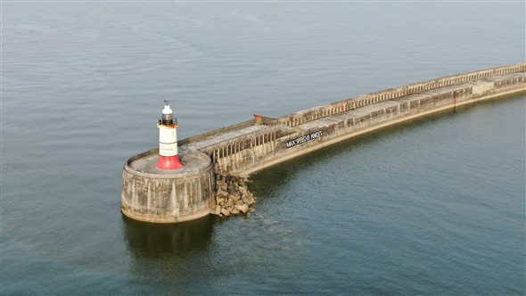 Photo:The Breakwater end and lighthouse.