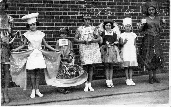 Photo:Eastside Carnival 1930's