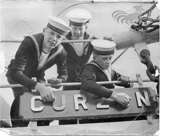 Photo:Cadets on HMS Curzon