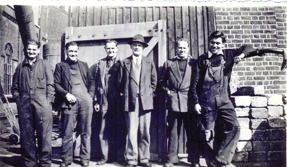 Photo:Left to right: ? Alf Watkins, Bill Lower, Jack Anderson, Bert Lander, Nat Browning, Cyril Lester