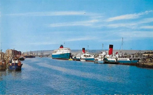 Photo:Newhaven Harbour, 1966
