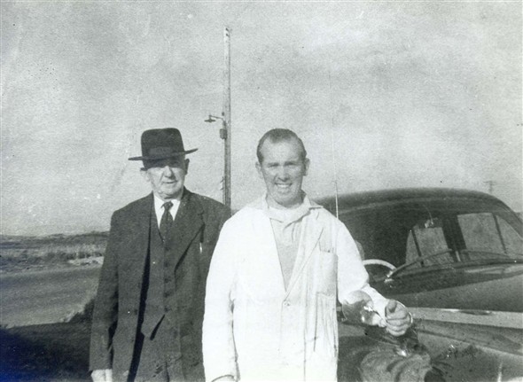 Photo:3. Arthur and Horace Horscraft