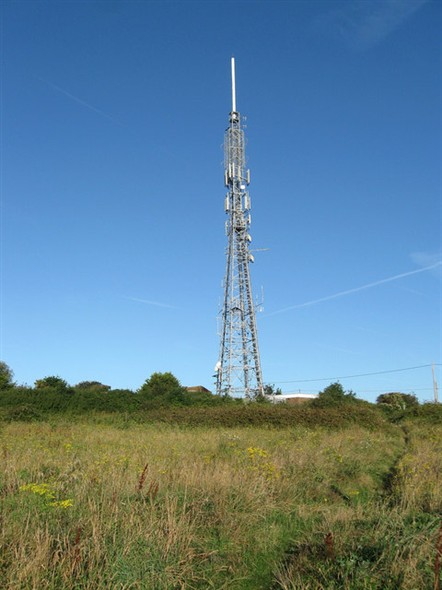 Photo:Newhaven's transmitter mast on The Highway, overlooking the town.