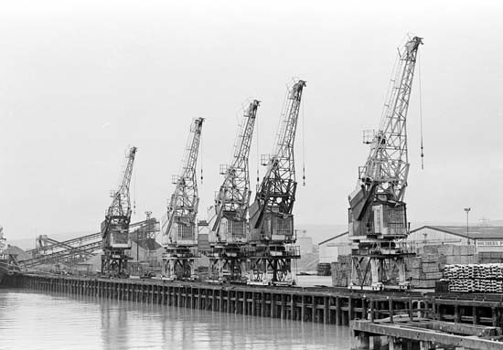 Photo: Illustrative image for the 'NORTH QUAY CRANES' page