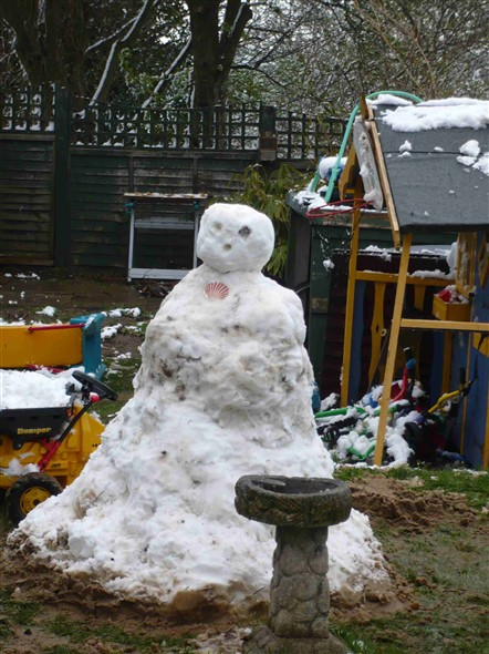 Photo:My neighbours snowman - First Ave