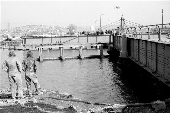 Photo:(35) - Old swing Bridge open 1972