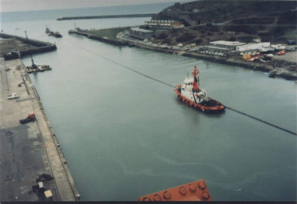 Photo:Pipeline in the harbour