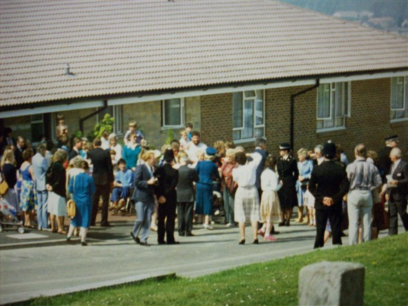 Photo:Opening day for Webb House - April 1987