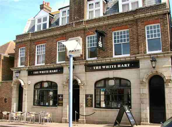 Photo:The White Hart in Newhaven High Street 2008